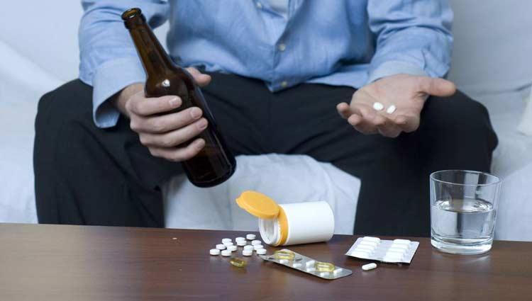 Posso Misturar Álcool Com Remédios Ou Energéticos?