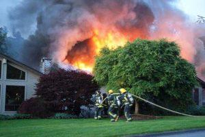 Perigos da inalação de fumaça em incêndios