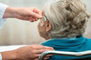 Surdez no idoso – Como tratar a presbiacusia